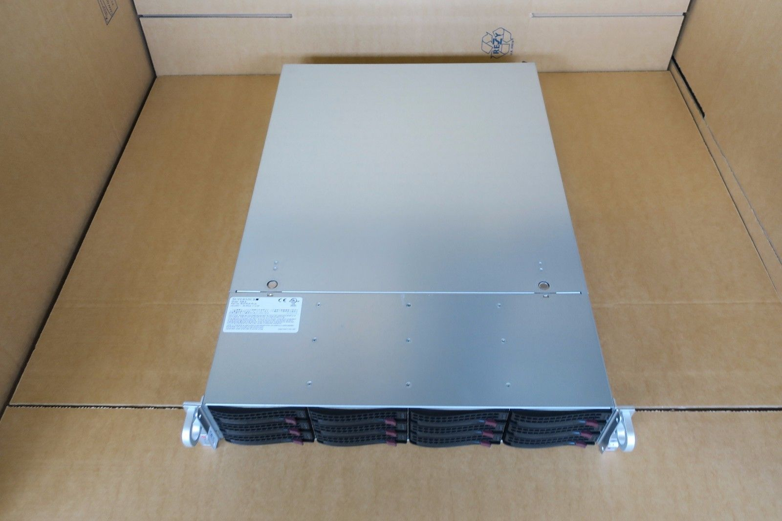 Supermicro CSE-826 2 x Intel 8-Core XEON E5-2650v2 128GB Ram 12 x 3 5